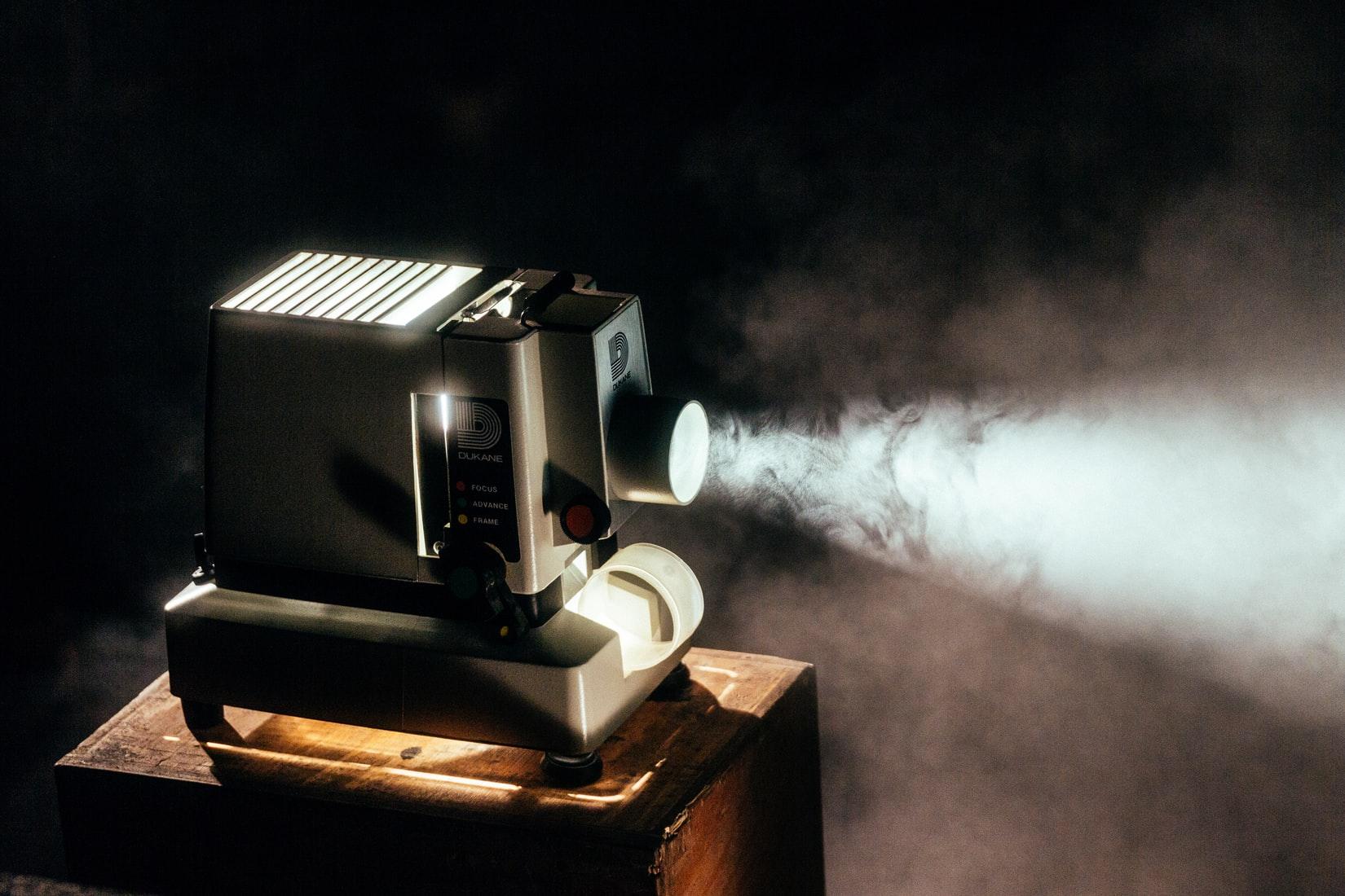 Comment un vidéoprojecteur peut-il remplacer un téléviseur ? 4